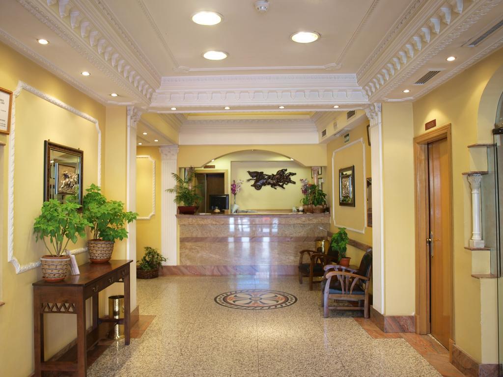 HOTEL DON LUIS BARAJAS